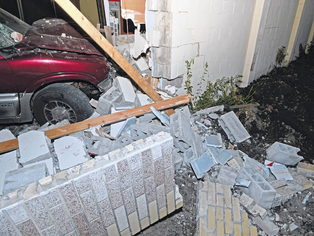 Lima Police Department was on the scene of a SUV that crashed into a building at the 1100 block of Delphos Avenue Saturday night.