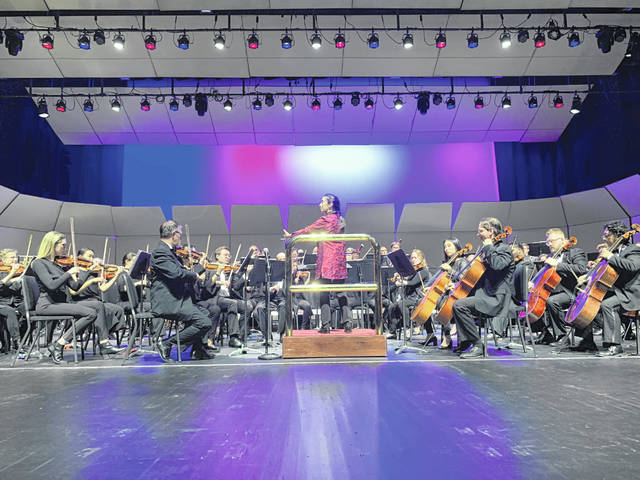 """Nadège Foofat leads the Lima Symphony Orchestra in Jennifer Higdon's """"Blue Cathedral"""" to open the orchestra's newest season."""