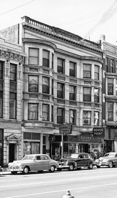 The Stamets block, in the 100 block of West Market Street. This photograph is from an unknown year.