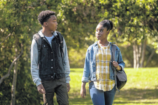 """This image released by NBC shows Asante Blackk as Malik, left, and Lyric Ross as Deja, in a scene from """"This Is Us,"""" airing at 9 p.m. Tuesday."""