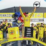 Logano overcomes missed pit call to win at Las Vegas
