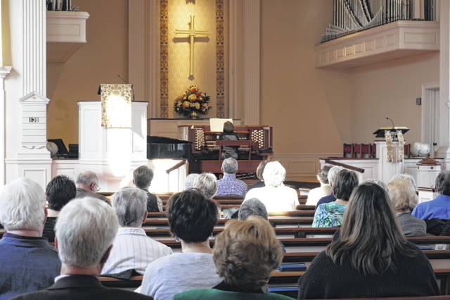 "Mary Jane Eichelberger kicked off the organ recital Sunday with ""Estrata Festiva"" by David Lasky."