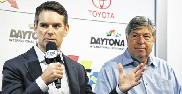 Jeff Gordon, left, and Mike Joy will call Sunday's NASCAR race at Darlington Raceway in South Carolina from a studio in Charlotte, N.C.