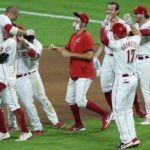 Votto's double in 10th lifts Reds past streaking Royals 6-5