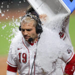 Votto single in ninth lifts Reds to 4-3 win over Cardinals