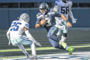 NFL roundup: Seahawks hang on for win over Cowboys