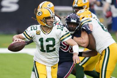 Quarterback Aaron Rodgers and the Green Bay Packers take on Minnesota on Sunday after defeating the Vikings 43-34 victory in the season opener. (AP photo)