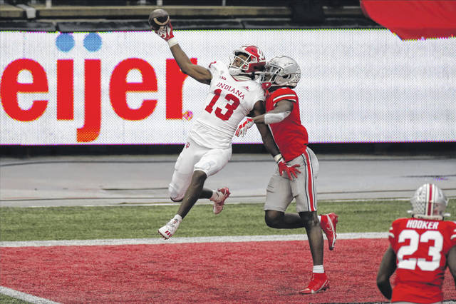 College football: Ohio State holds off Indiana