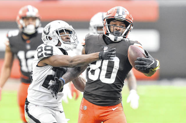 Cleveland Browns wide receiver Jarvis Landry makes a catch during a game against the Las Vegas Raiders earlier this season.