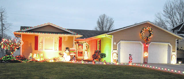 This home at 3039 Hummingbird went all out to light up for the Christmas holiday.