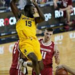 College basketball: No. 7 Michigan moves to 11-0 with 77-54 win against No. 9 Wisconsin