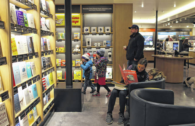 A Chicago-area bookseller has sued Amazon in federal court, alleging that the e-commerce giant's restrictive contracts with major publishers have made it impossible for book retailers to try to beat Amazon on price. Pictured March 18, 2017, is the first Amazon bookstore in Chicago during its soft launch.  (Abel Uribe/Chicago Tribune/TNS)