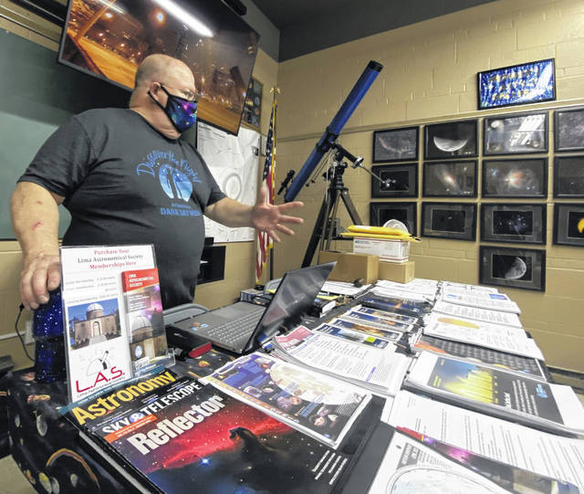 Michael Ritchie, president of the Lima Astronomical Society, leads a discussion over the weekend on the Dark Skies Initiative at the Schoonover Observatory.