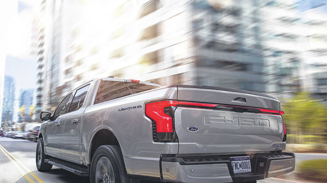 Investors cannot ignore GM, Ford transformation
