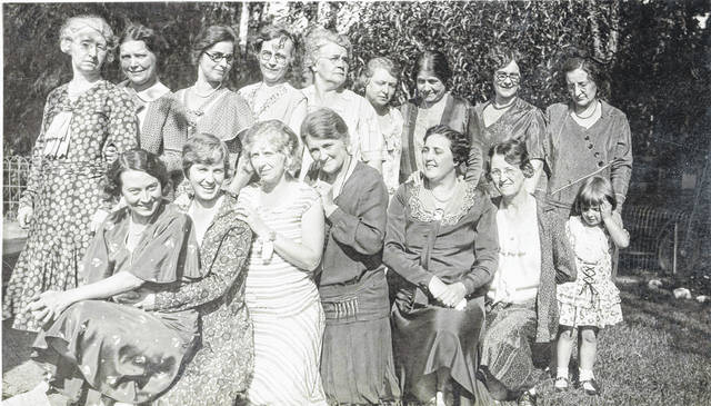 A group photo shows the Wimodaughsis Circle in the 1920s.