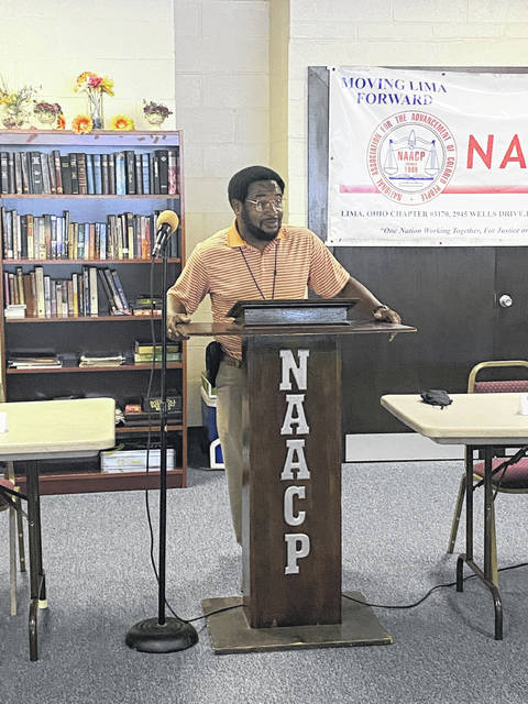 City Councilman Dr. Derry Glenn gave the opening remarks at the meeting.