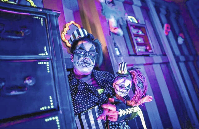 Jessica Stubbs is one of the actors for the Hammer Brothers Haunted Circus