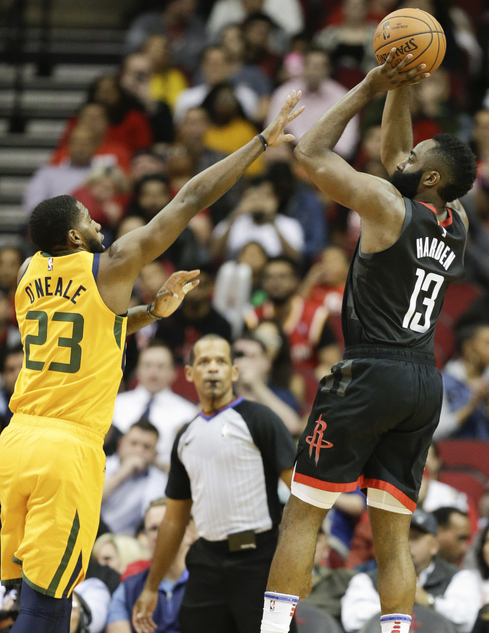 finest selection e4803 7485a Harden s 47 points lead Rockets over Jazz 102-97