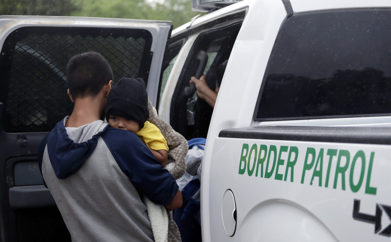 US to Fly Migrants From Texas to San Diego