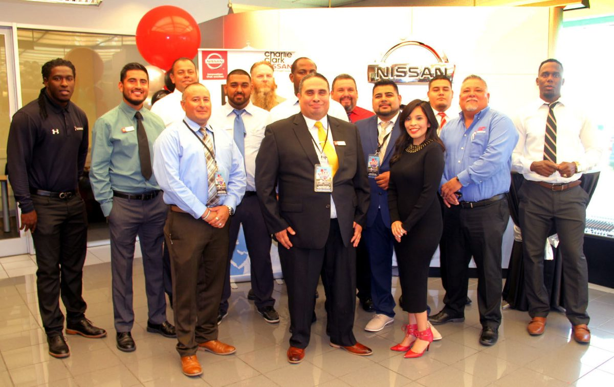 Charlie Clark Nissan Harlingen >> Charlie Clark Nissan Wins Global Award