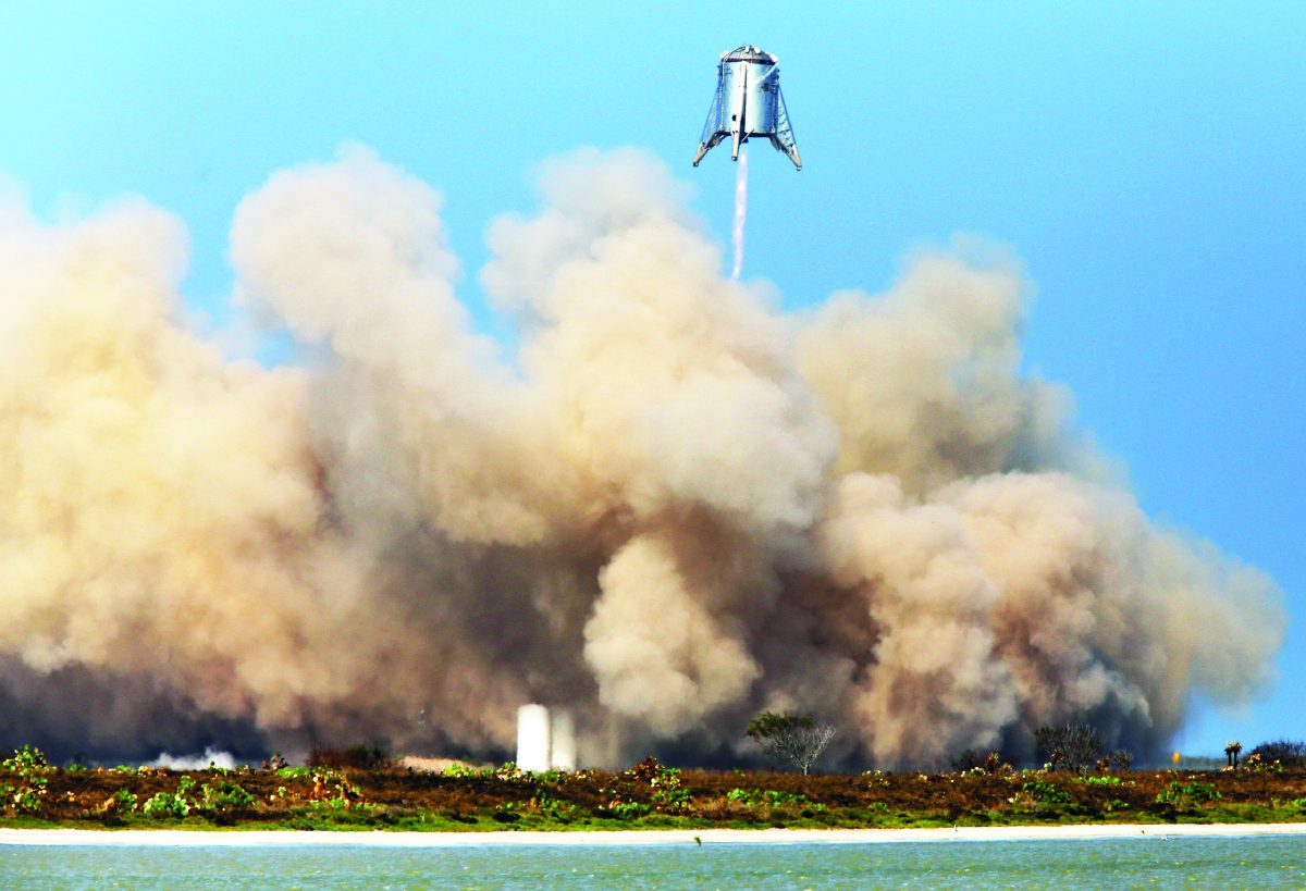 SpaceX's Mars rocket prototype rattles nearby residents in Texas test flight